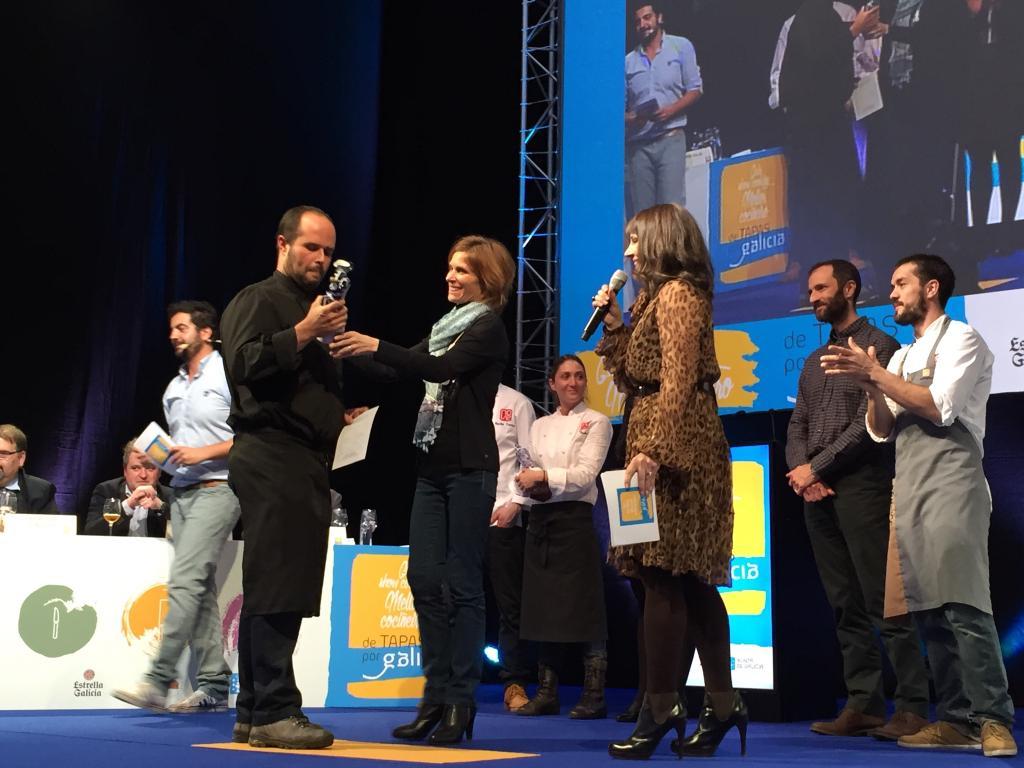 Nava Castro entrega o premio Mellor Cociñeiro de Tapas por Galicia