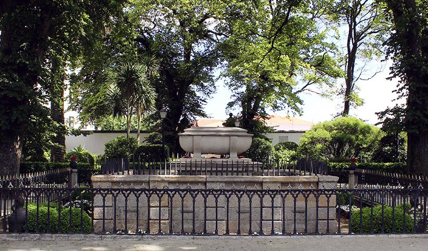 Galicia turismo turismo de galicia destinos san carlos for El jardin romantico